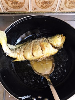 The practice measure of yellow croaker of braise in soy sauce 6